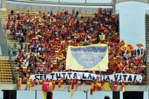 Tifosi del Lecce a Bari