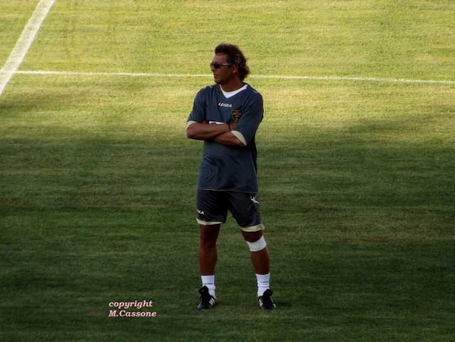 Bozzi ringrazia Miccoli e sigla il primo gol stagionale del Lecce