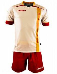 La seconda maglia da gioco bianco-giallorossa
