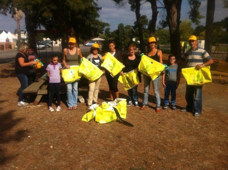 I volontari di Legambiente all'opera