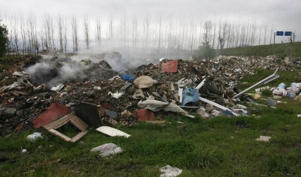Abbandono dei rifiuti a Lecce: le misure di contrasto