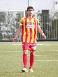 Matteo Luca con la maglia del Lecce