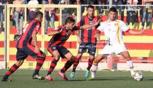 Emilio Volpicelli in azione contro il Taranto