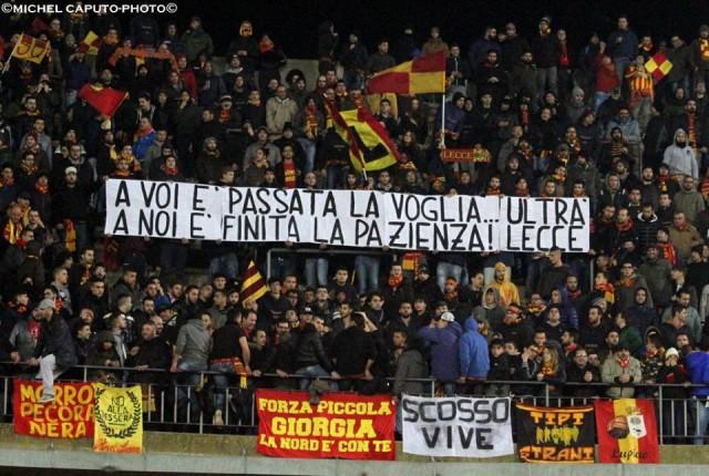 Lecce, confronto squadra-ultrà. Padalino nel mirino