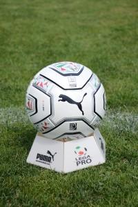 Lega Pro Puma pallone campo