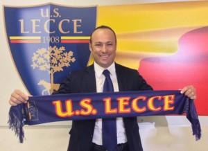Asta con sciarpa Lecce