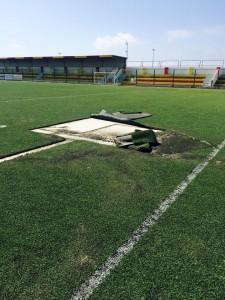 atti vandalici stadio Bianco Gallipoli 3