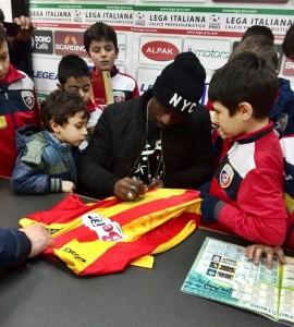 Doumbia firma autografi