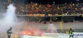 Al Lecce altri 5000 € di multa per i petardi