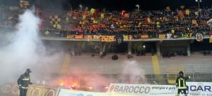 Lecce curva nord ammenda fumogeni
