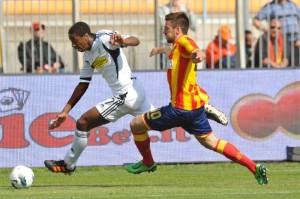 Dominique Malonga in azione contro il Lecce