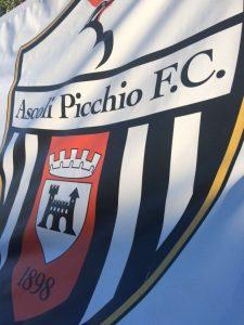 Ascoli Picchio bandiera e logo