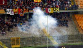 Il Lecce paga altri 1500 euro di multa per petardi