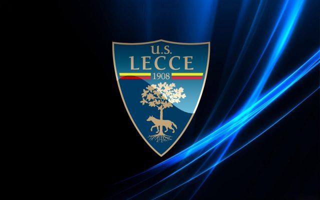 Lecce, in 6 prolungano il contratto