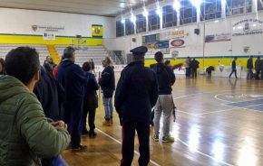 Monteroni, caccia al tarantino durante la gara di basket