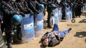 manifestante-no-tap-e-polizia-a-san-foca