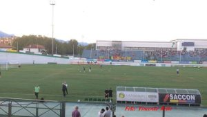 Pordenone-Lecce: il riscaldamento delle squadre